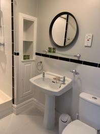 Crawfield Grange - Ensuite for twin room