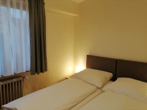 Doppelzimmer-Economy-Eigenes Badezimmer