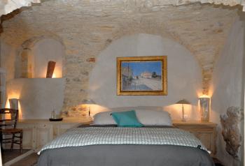 Suite Gardon-voute chambre en pierre