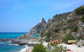 Strand und Bucht Tropea © Ferienwohnung Casa Belle Vacanze