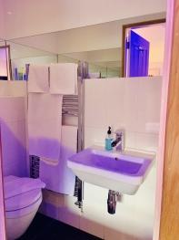 Room 5 Double Room Bathroom