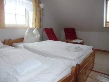 Dreibettzimmer-Standard-Eigenes Badezimmer-Gartenblick - Standardpreis
