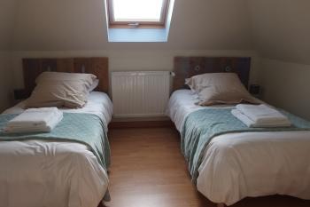 Chambre 4 avec 2 lits