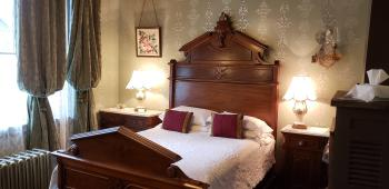 Double room-Shared Bathroom-Economy-Williams Room
