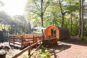 Broomhills Farm River Eco Pods - Elite Pod with Log fired Hot tub