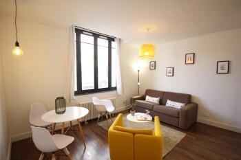 🏛️ Préfecture de Rouen à 300 m de l'appartement