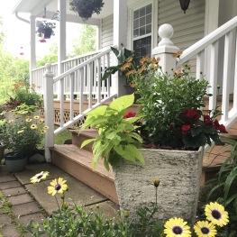 Innisfree Bed & Breakfast - Hummingbird Front Porch