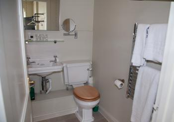 Room 4 - Classic Double Room - En-Suite Shower