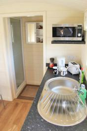 Shepherds Hut Kitchenette & En-suite Shower Room