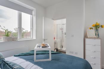 King / Twin En Suite Bedroom