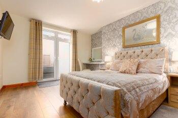 Apartment 6 Master Bedroom
