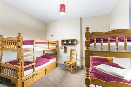 Quad room-Ensuite-Private Room Sleeps Max 4 - Base Rate