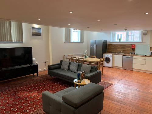 Charter House School 3 bed apartment