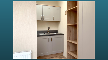 Utility Room with sink and washer/dryer