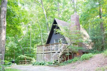 A-Frame Pawpaw Cottage