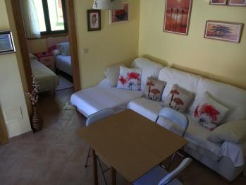 Apartamento con piscina frente a las Islas Cíes - Sala y dormitorio doble