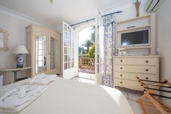 Suite-Quad room-Ensuite