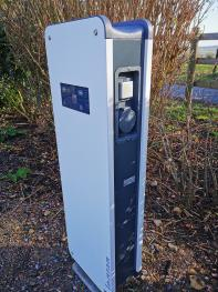 borne de recharge véhicules électriques à disposition