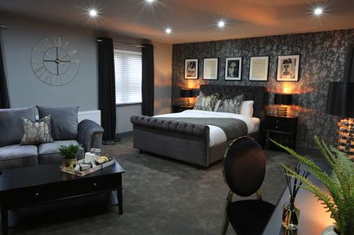 Suite-Superior-Ensuite with Bath-Garden View - Base Rate