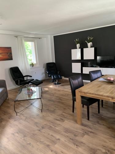 Apartment-Standard-Ensuite Bad-Blick auf den Hof - Basistarif