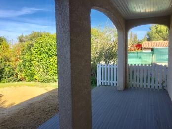 North facing veranda with private pétanque area