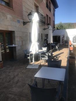Terraza exterior bar-restaurante