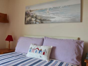 Spacious double bedrooms en-suite at Seawinds B&B