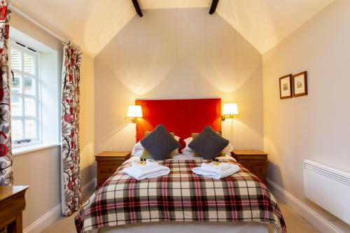 Double room-King-Ensuite with Shower-Garden View - Standard Rate
