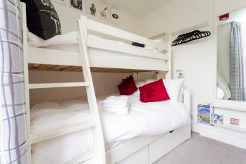 Room 3 - De Montfort