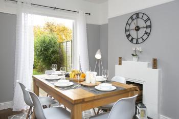Dining area - modern design - fresh