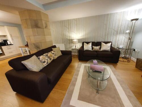Apartment-Private Bathroom-AC12 - Base Rate
