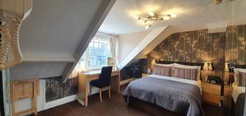 Superior Double room with full En-suite