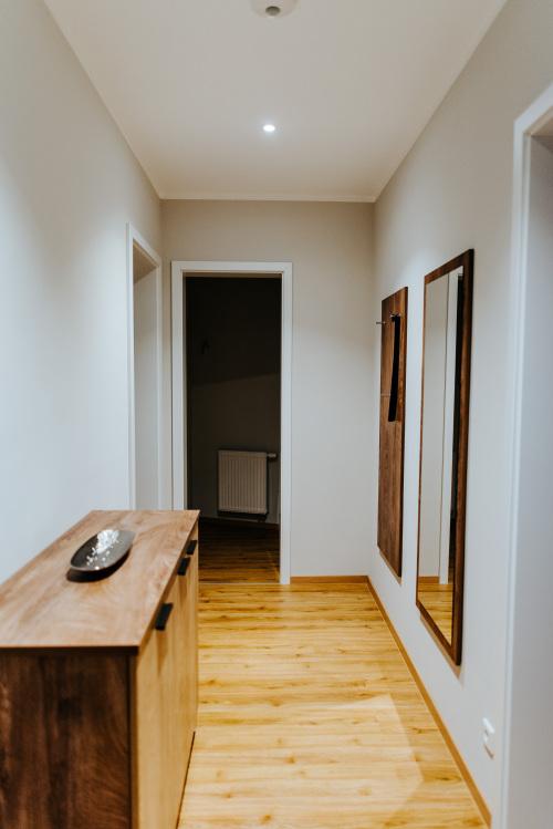 Apartment-Klassisch-Eigenes Badezimmer-Blick auf den Hof - MyWeb