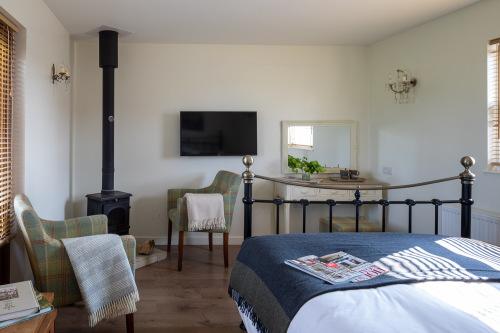 Barlake Lodge - King bedded room