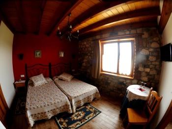 Casa rural El Mirador de Rivas, alojamiento junto a Cabarceno y la playa de somo Santander Cantabria Habitación doble - 2 camas