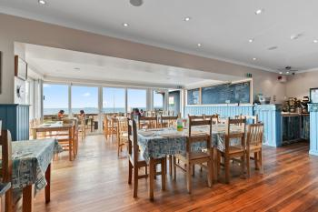 Sea view breakfast room
