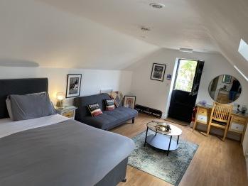 Broadside Room