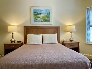 Standard Queen Room 1