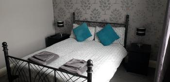 Double room-Basic-Ensuite with Shower-No view-Room 1