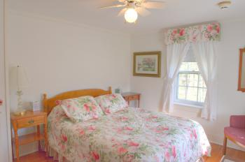 C8 Carriage House -Queen,-Double room-Ensuite-Superior-Countryside view