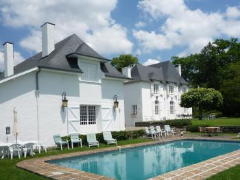 Clos Mirabel Self Catering - The Clos Mirabel Estate with shared seasonal pool