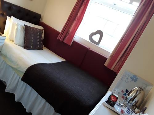 Single room with full En-suite