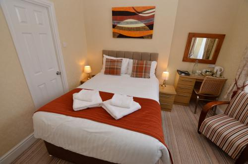 Double room-Standard-Ensuite-Small-Inland-Ground Floor - Base Rate