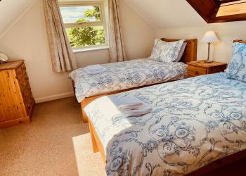 Buttercup Cottage twin room