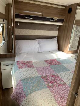 Caravan-Luxury-Ensuite with Shower-Countryside view-luxury caravan - 3 nights
