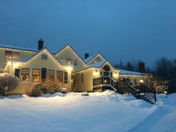 Red Clover Inn and Restaurant - Inn on a Winter Night