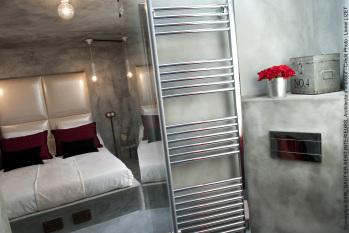 Chambre et salle de bains en béton