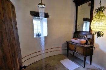 '1550' Turret En Suite with underfloor heating