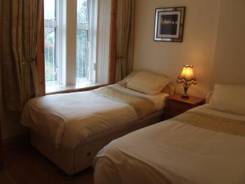 Twin room with shared shower room facilities