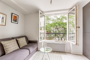 Comfortable living room // Salon confortable